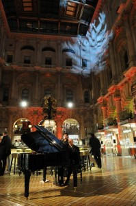 Olly_Jazz_pianist_Royal_Exchange_m