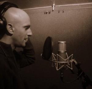 Olly_recording_bw_m