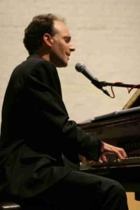 Pigotts_concert_olly_piano_1