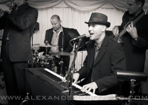 bruce_sarah_wedding_jazz_soul_boogie_band